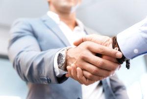 Verkaufsanfrage Handschlag